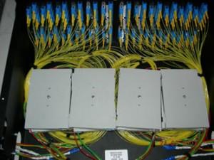 Монтаж 96 оптических волокон в стойке на основе технологии MOD LINK